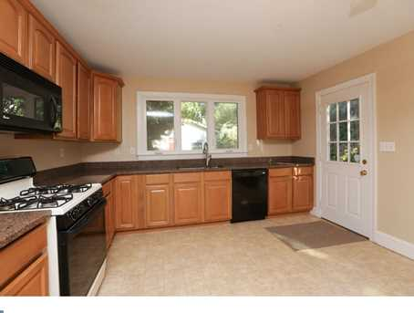 118 W 7th Ave - Photo 10