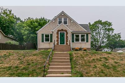 4058 Quincy Street NE - Photo 1