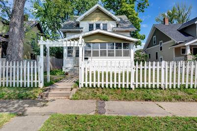 869 Ivy Avenue E - Photo 1