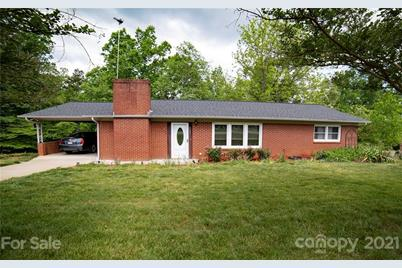 4609 Lakeview Acres Road - Photo 1