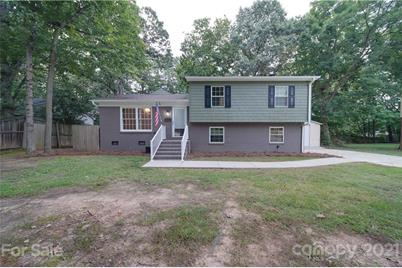 729 Forestbrook Drive - Photo 1