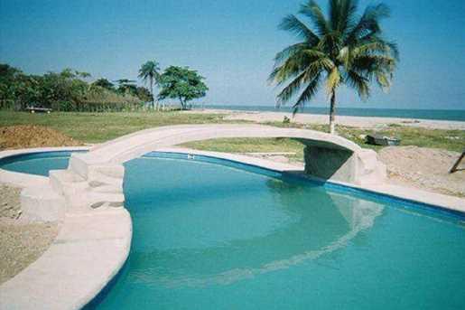 2  Beach Road, Unit #La Ceiba, Honduras - Photo 8