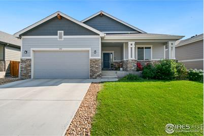 822 Settlers Dr - Photo 1