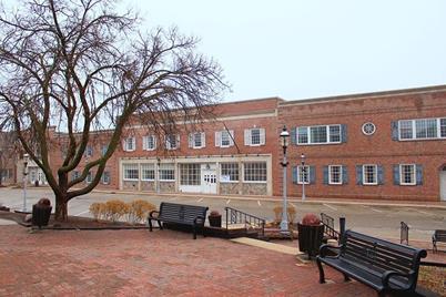 215 N Main St - Photo 1