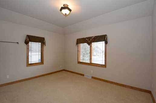 N52W21428  Taylors Woods Dr - Photo 18