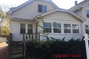 8747 W Maple St - Photo 1