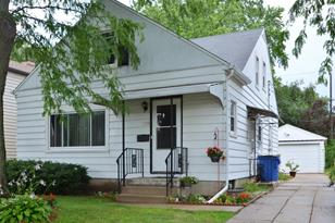 5106 N Lydell Ave - Photo 1