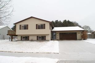 701  Pioneer Dr - Photo 1