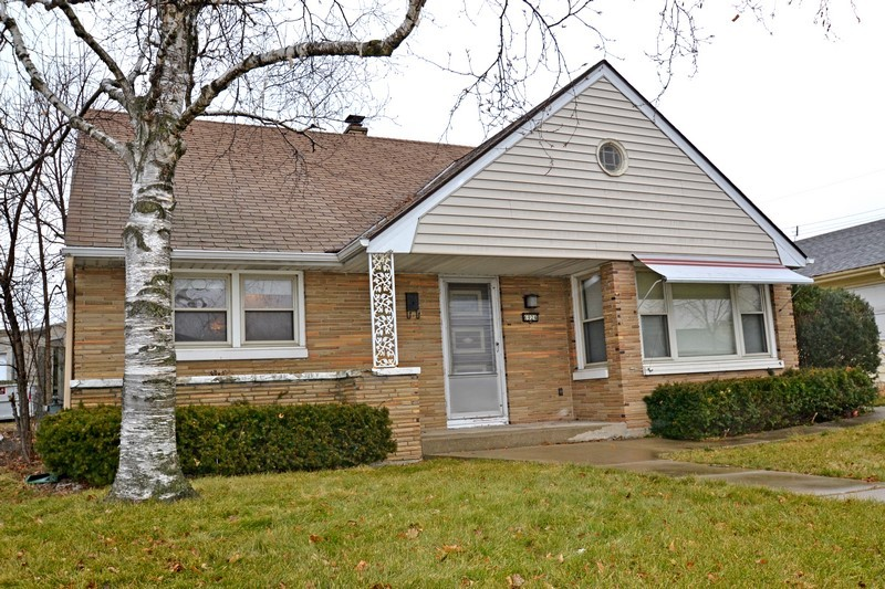 Amazing 6924 W Euclid Ave Milwaukee Wi 53219 Mls 1617706 Coldwell Banker Beutiful Home Inspiration Cosmmahrainfo