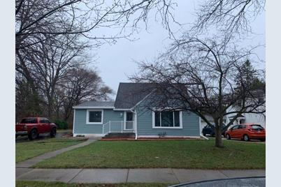 6001 N Lydell Ave - Photo 1