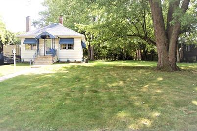 8413 Greenwood Avenue - Photo 1