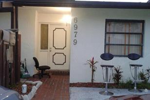 6979 Sw 40Th Street, Unit #6-O - Photo 1