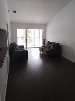 1052 The Pointe Dr - Photo 5