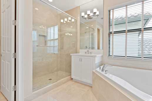 9482 Eden Roc Court - Photo 21