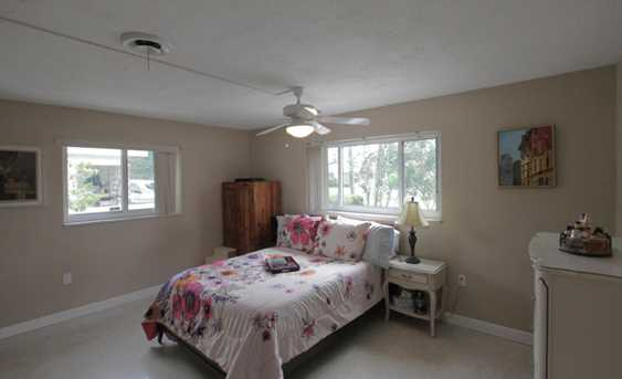 353 SW 14th Place - Photo 15