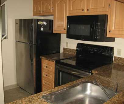 1155 The Pointe Drive, Unit #1155 - Photo 2