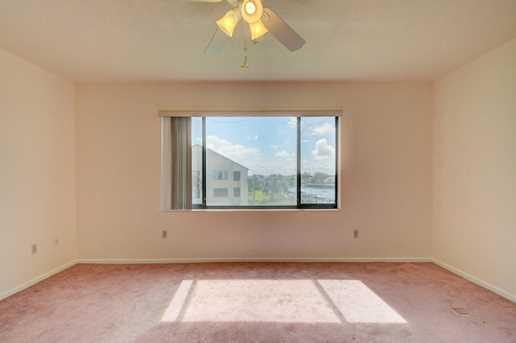 843 Oak Harbour Drive, Unit #843 - Photo 32
