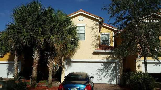 901 Pipers Cay Drive - Photo 1