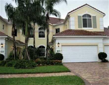 121 Palm Bay Terrace, Unit #B - Photo 1