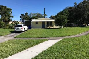 1300 NW 58th Terrace - Photo 1