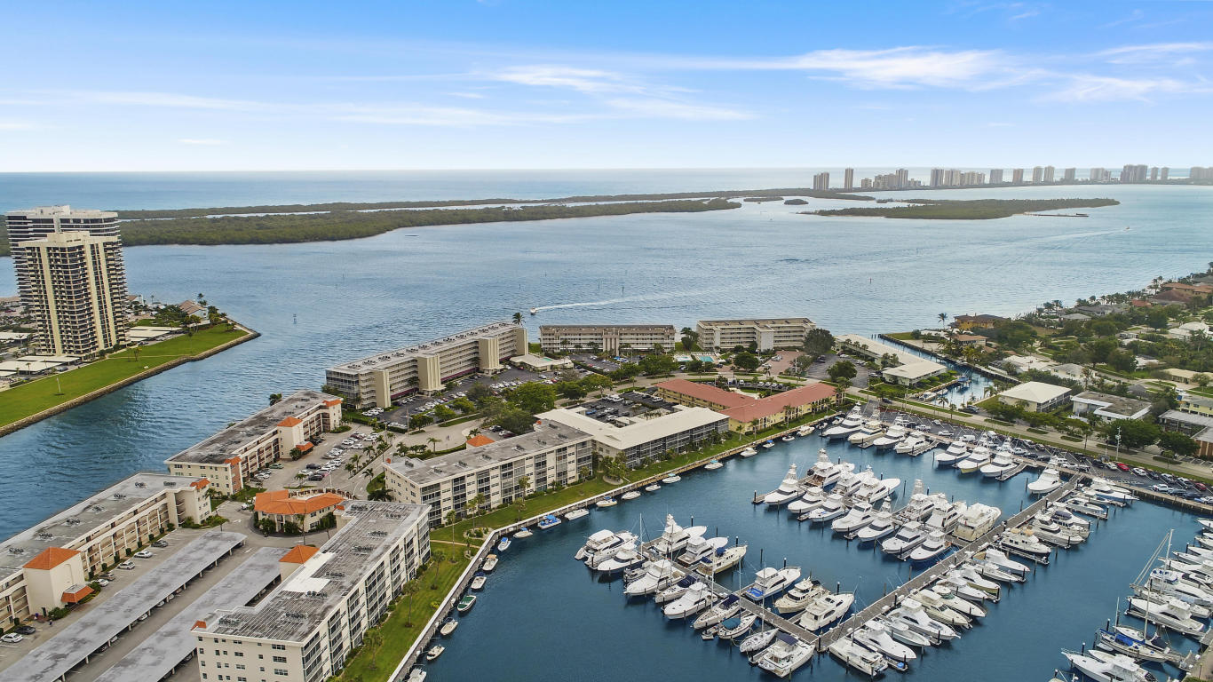 Yacht Club Drive North Palm Beach Rentals