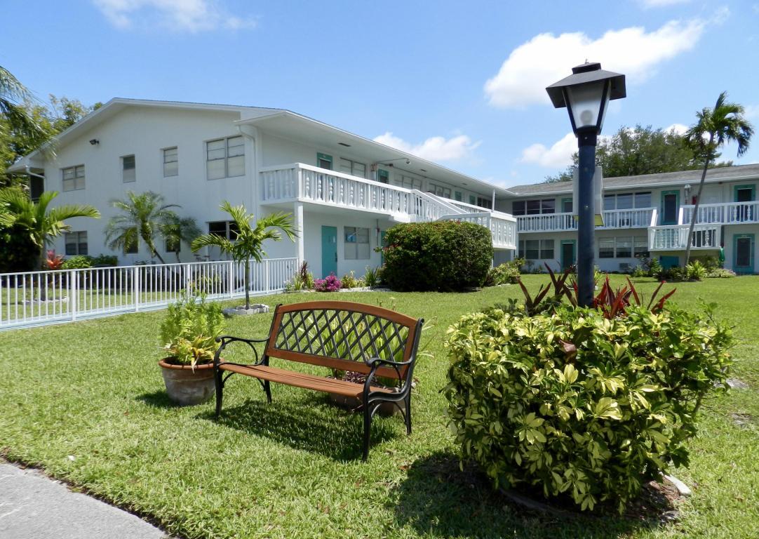 Deerfield Beach Condos For Sale