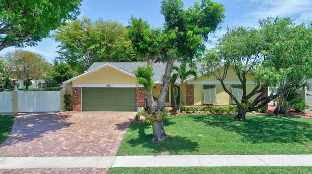 1242 NW 10th Ct - Photo 1