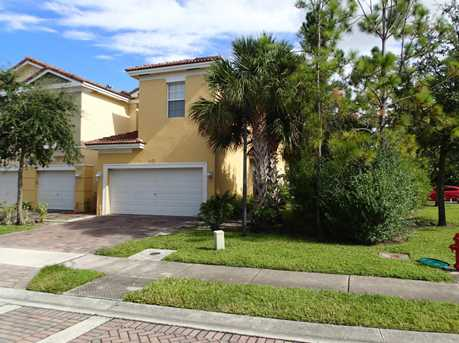 925 Pipers Cay Drive - Photo 1