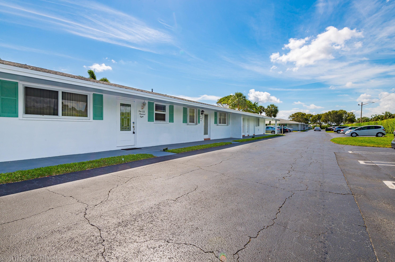 400 Golfview Ter, Boynton Beach FL  33426-4667 exterior