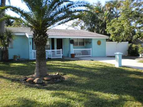 230 NW 10th Street - Photo 1