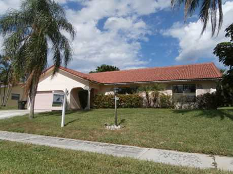1440 NW 12th Way - Photo 1