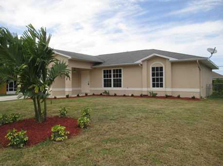 573 Nw Biscayne Drive - Photo 1