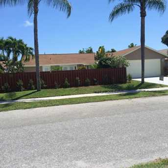 587 Nw 45Th Drive - Photo 1