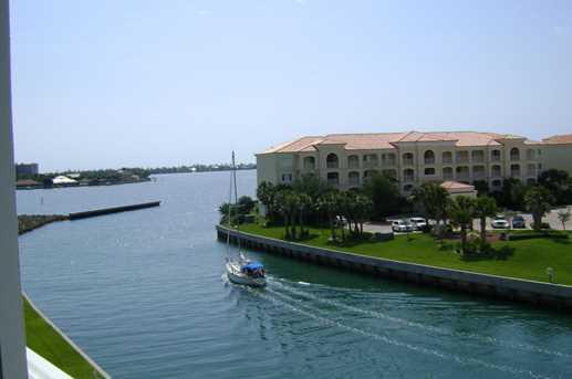 6 Harbour Isle Drive, Unit #ph3 - Photo 1
