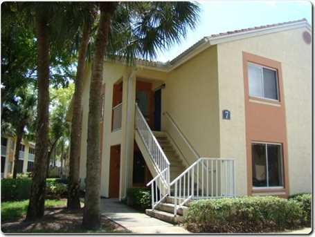 1081 The Pointe Drive - Photo 1