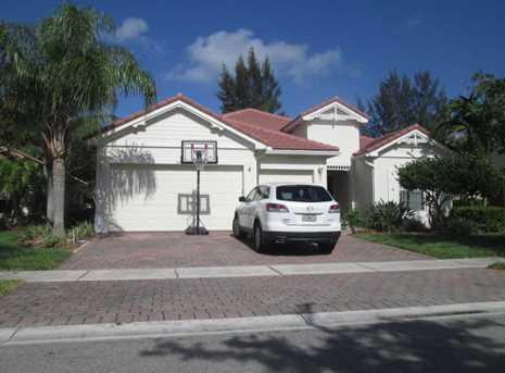 111 Palm Beach Plantation Boulevard - Photo 1