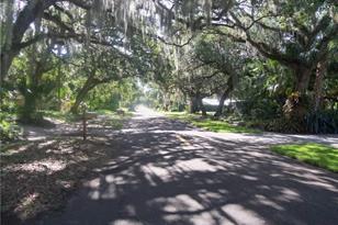 555 Acacia Road - Photo 1