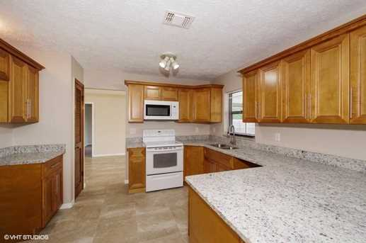 921 SW Bay State Road - Photo 3