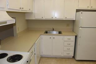 470 Executive Center Drive, Unit #1I - Photo 1