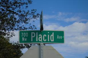 785 NW Placid Avenue - Photo 1