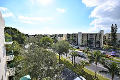27 Royal Palm Way, Unit #506 - Photo 1