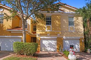 985 Pipers Cay Drive - Photo 1