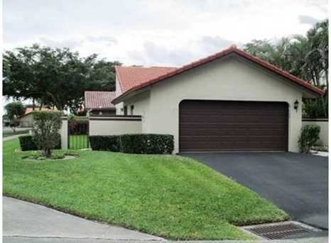 2040 Nw 15Th Place - Photo 1