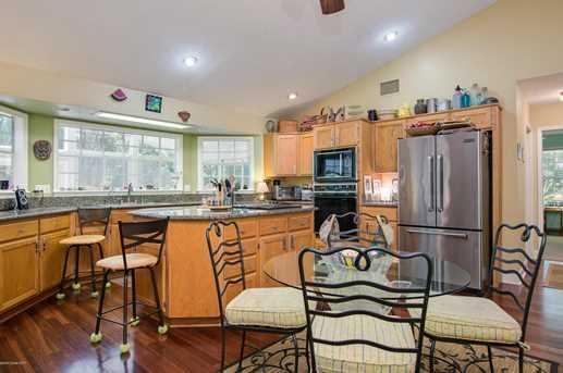 4141 Rosewood Avenue - Photo 17
