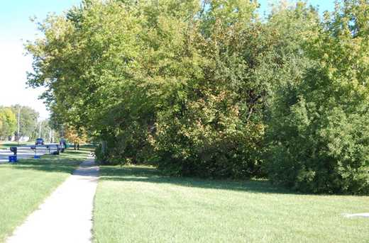 344 Plainfield Road - Photo 3