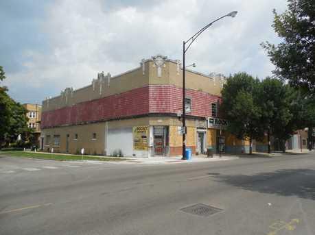 3318 West Montrose Avenue - Photo 1