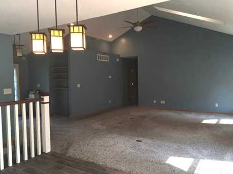 330 South Commercial Avenue - Photo 5