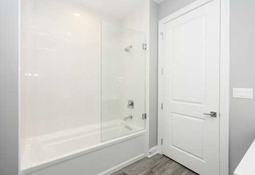 5820 North Clark Street #202 - Photo 27
