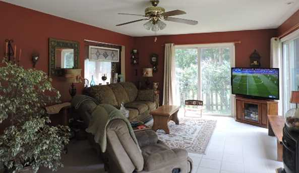 8607 Coral Road - Photo 9