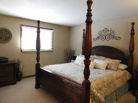 bed with mattress included 14166 south oak ridge drive homer glen il 60491 mls 14166
